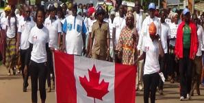 Image de la marche de la société civile contre le mariage d_enfant précoce et forcé à Odiénné en Novembre 2016